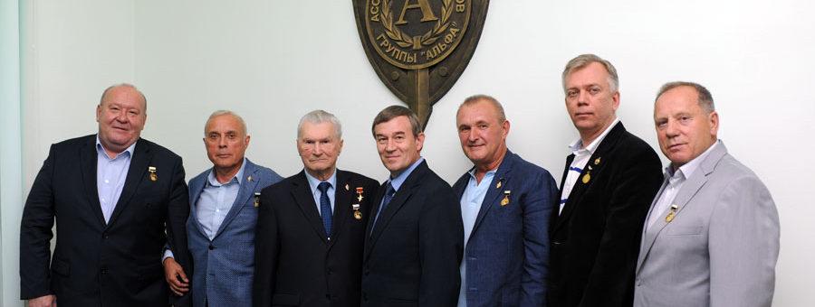 Руководители Международной Ассоциации ветеранов подразделения антитеррора «Альфа» награждены медалями «Народного Собора»